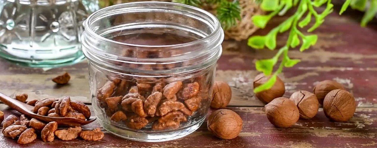 Орехи в измельчителе